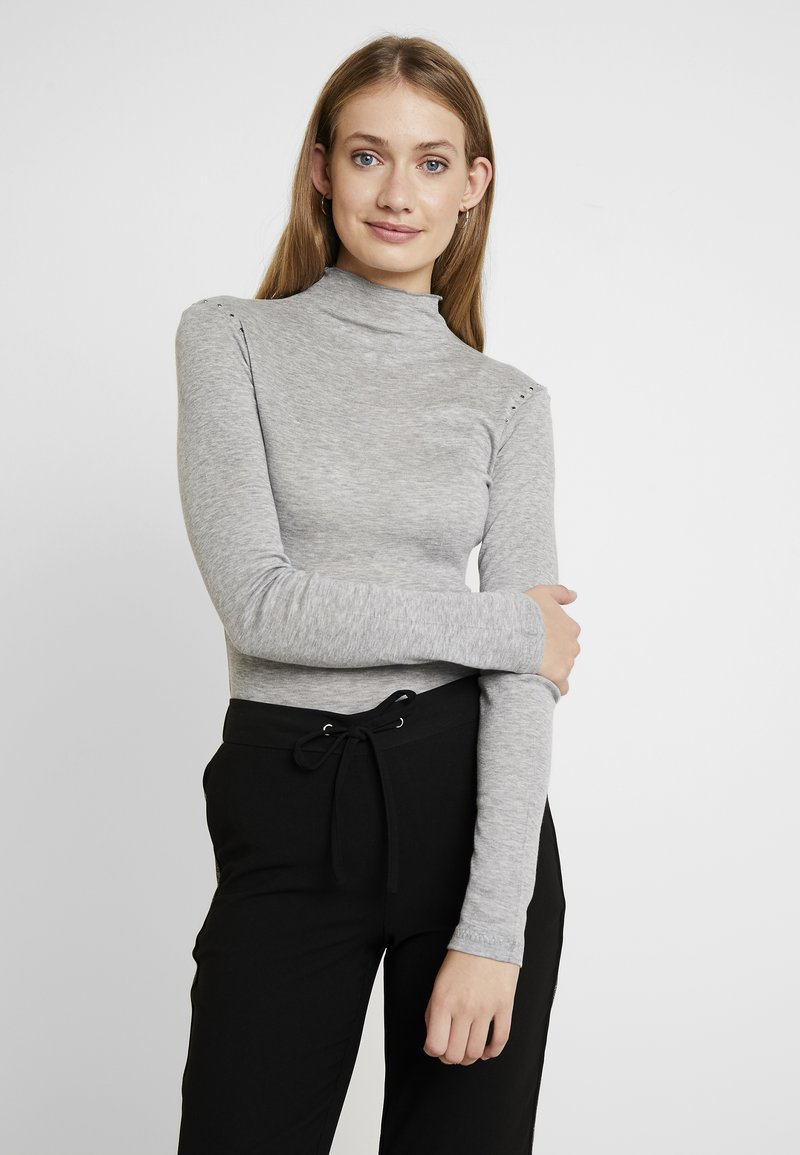 Guess - TURTLE NECK - Strikkegenser - stone heather grey