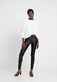 Guess - Sweater - true white - 1