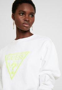 Guess - Sweater - true white - 3