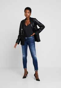 Guess - JEGGING ZIP - Vaqueros pitillo - witched blue - 1