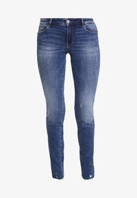 Guess - ULTRA CURVE SPLIT - Jeans Skinny Fit - richness - 5