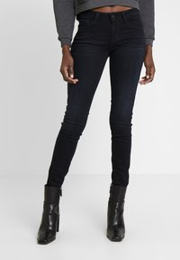 Guess - ANNETTE - Jeans Skinny Fit - mesmerized - 0