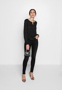 Guess - MID - Jeans Skinny Fit - brave - 1