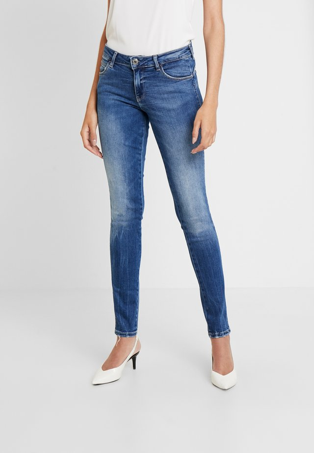 ULTRA CURVE - Jeansy Skinny Fit - bluebird