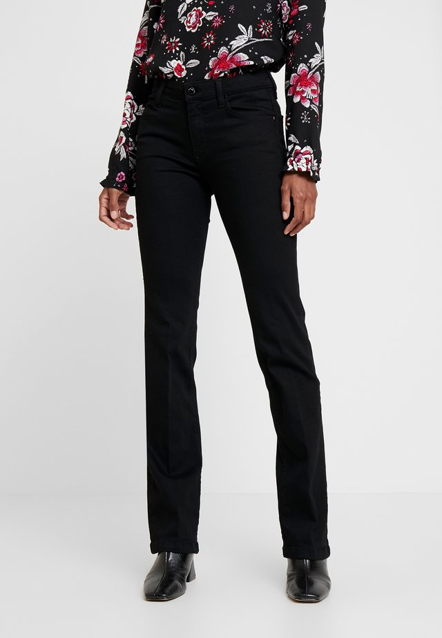SEXY BOOT - Bootcut jeans - groovy