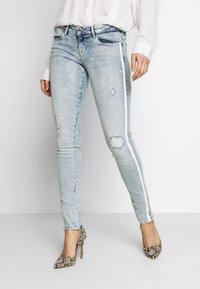 Guess - SPLIT - Jeans Skinny - edgy water destroy - 0