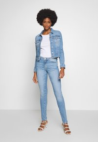Guess - SEXY CURVE - Jeansy Skinny Fit - blue denim - 1