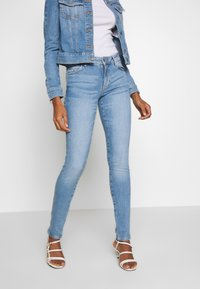 Guess - SEXY CURVE - Jeansy Skinny Fit - blue denim - 3