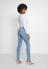 Guess - SEXY CURVE - Jeansy Skinny Fit - blue denim - 2
