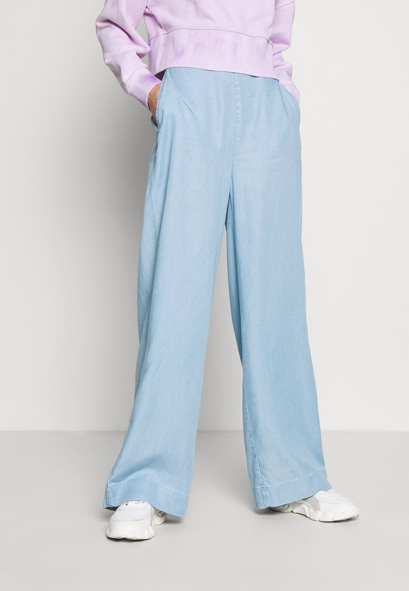Guess - IRINA PANT - Flared Jeans - water