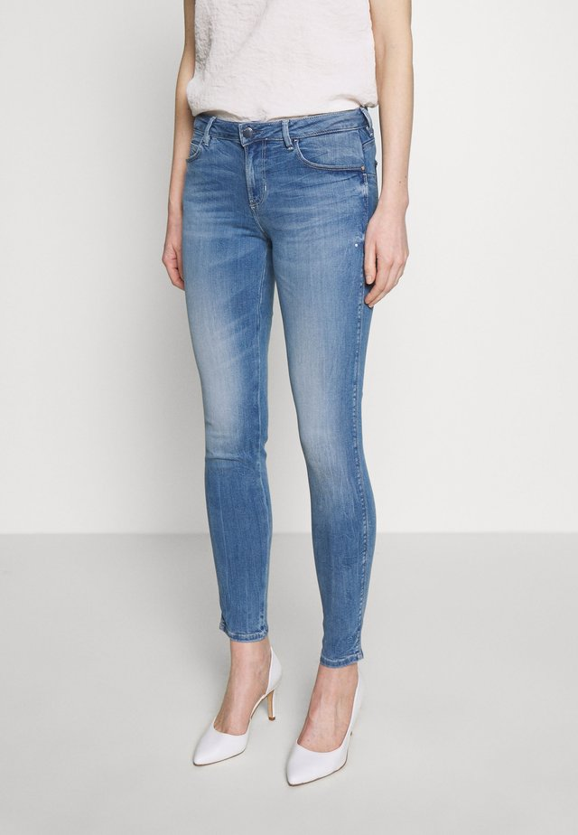 CURVE - Jeansy Skinny Fit - eco feather light