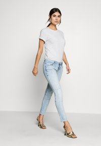 Guess - MARILYN - Jeansy Skinny Fit - solaria - 1