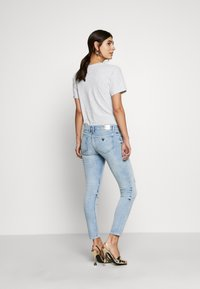 Guess - MARILYN - Jeansy Skinny Fit - solaria - 2