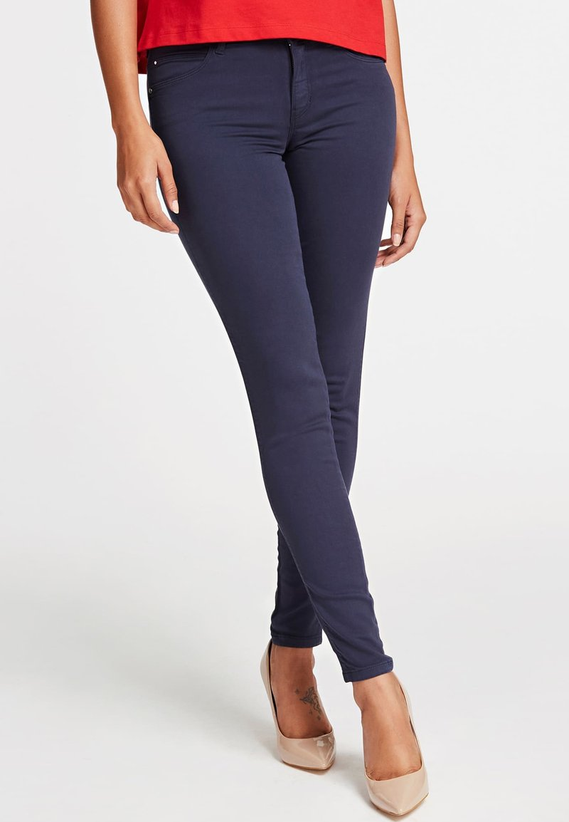 Guess - SKINNY - Jeansy Skinny Fit - blue
