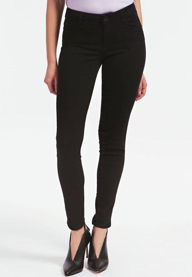 GUESS HOSE SKINNY - Jeans Skinny Fit - schwarz
