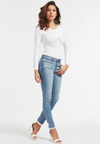 Guess - Jeansy Skinny Fit - himmelblau - 1