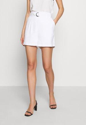 SUZY - Short - blanc pur
