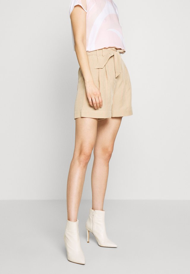 HILENA SHORTS - Shorts - beige striped combo