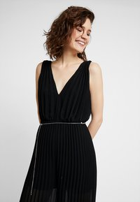 Guess - PATTY OVERALL - Jumpsuit - jet black - 3
