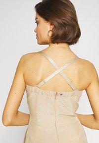Guess - EVELINA OVERALL - Tuta jumpsuit - beige - 6