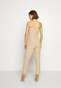 Guess - EVELINA OVERALL - Tuta jumpsuit - beige - 2