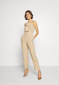 Guess - EVELINA OVERALL - Tuta jumpsuit - beige - 1
