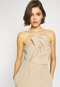 Guess - EVELINA OVERALL - Combinaison - beige - 3