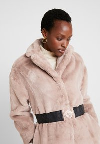 Guess - SHELLY COAT - Winter coat - rich sand - 3