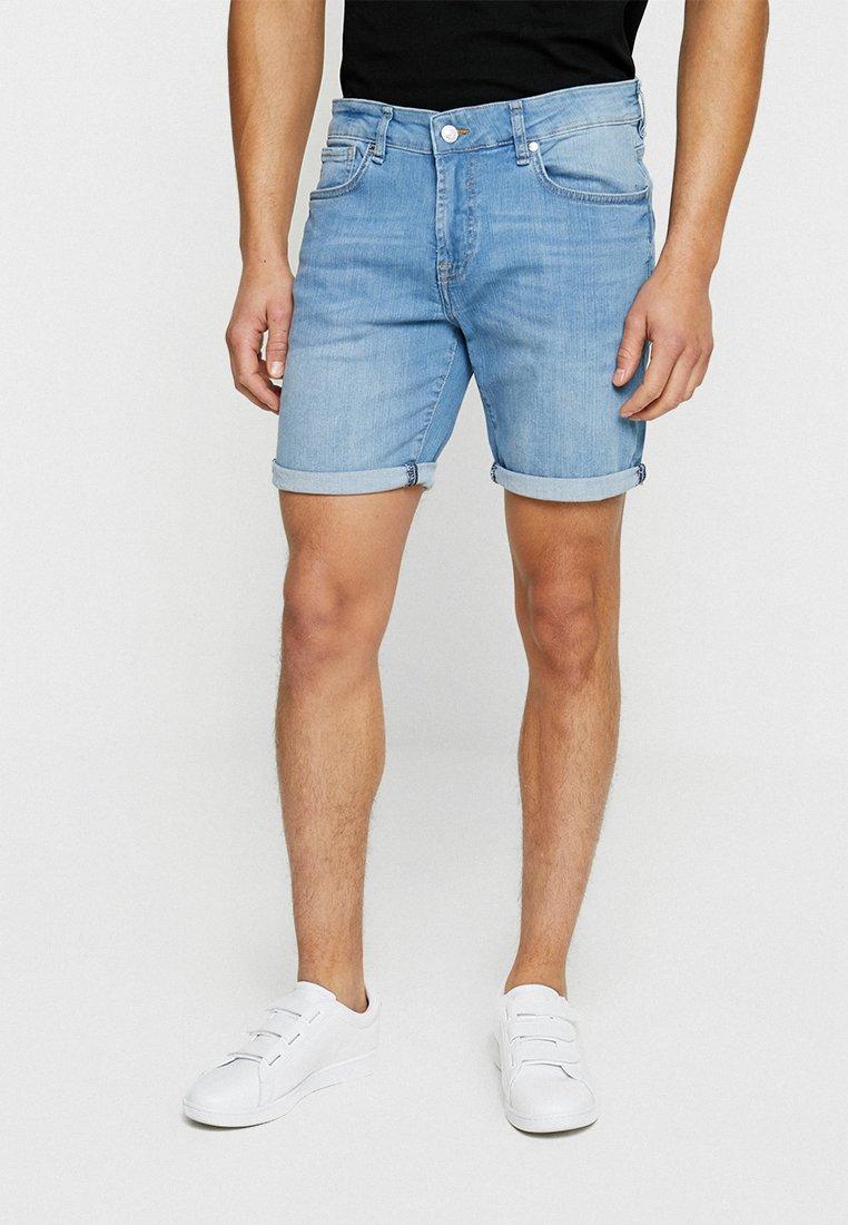 Guess - ANGELS SHORT - Denim shorts - rollin