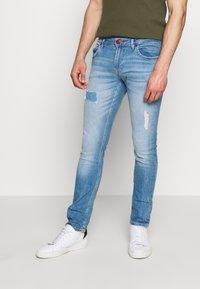 Guess - MIAMI - Jeansy Skinny Fit - light-blue denim - 0