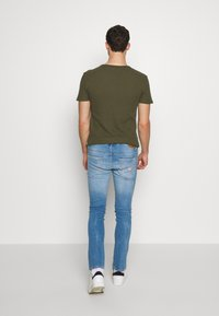 Guess - MIAMI - Jeansy Skinny Fit - light-blue denim - 2
