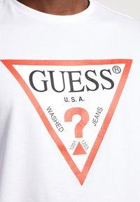 Guess - ORIGINAL LOGO CORE TEE - Camiseta de manga larga - white - 5