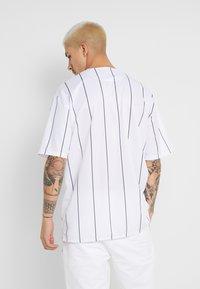 Guess - BASKET SHIRT - Overhemd - white/black - 2
