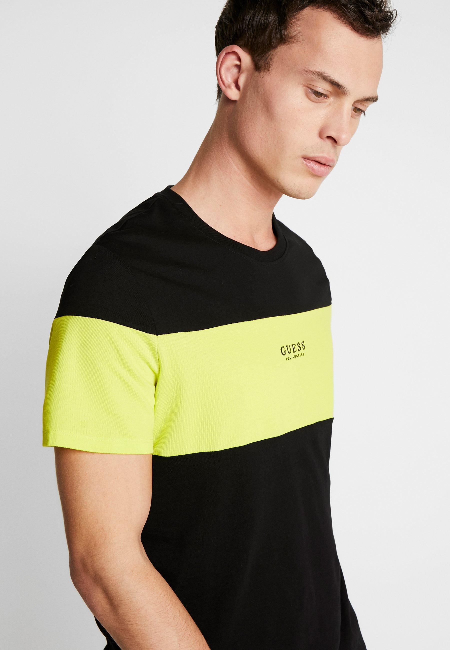 Guess ON TOP TEE - T-shirt z nadrukiem - black/neon yellow