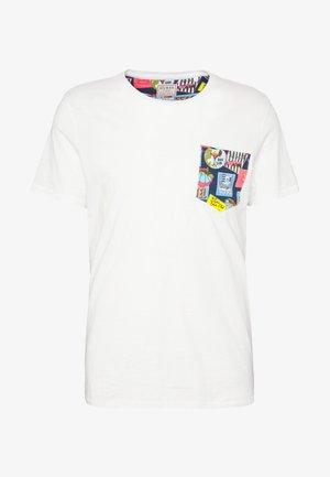 POCKET TEE - T-shirt imprimé - white