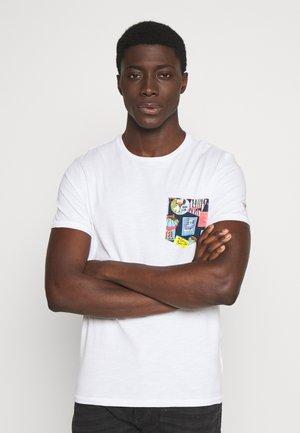 POCKET TEE - T-Shirt print - white