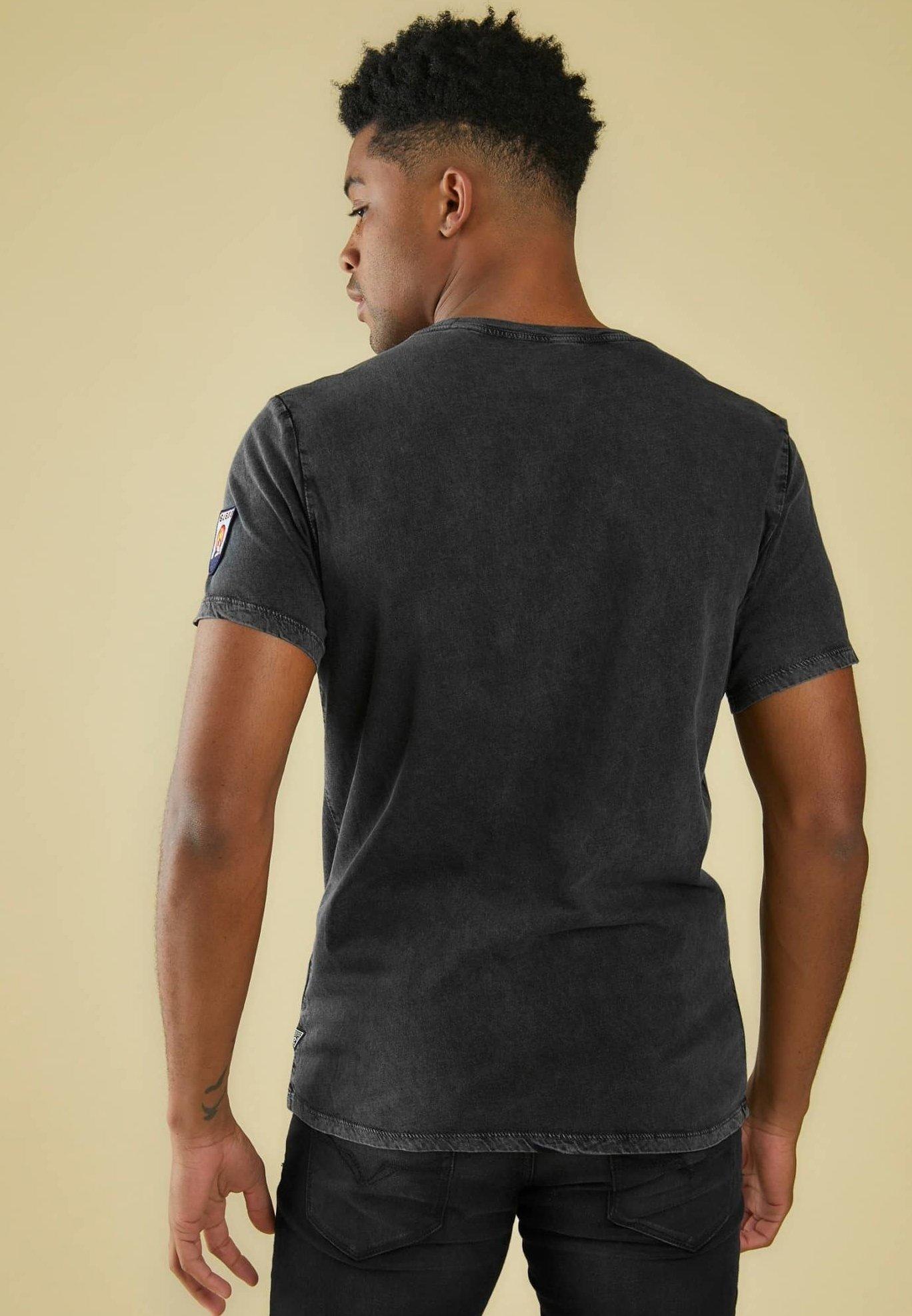 Guess T-shirt z nadrukiem - grau