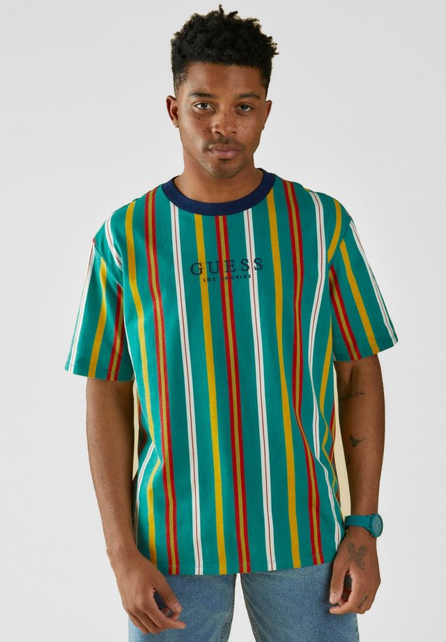 LOGO MOTIF RAYÉ - T-shirt basic - vert multi
