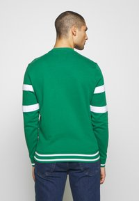 Guess - JACK - Sweatshirt - field green - 2