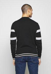 Guess - JACK - Sweatshirt - jet black - 2