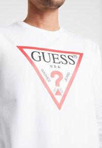 Guess - AUDLEY - Felpa - true white - 5