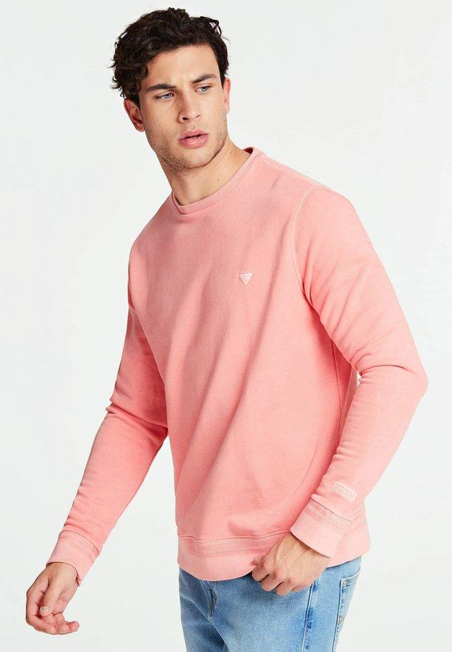 GUESS SWEATSHIRT BAUMWOLLE - Sweater - rose