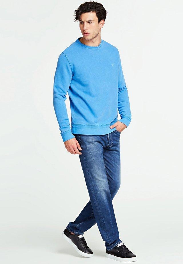 GUESS SWEATSHIRT BAUMWOLLE - Sweater - himmelblau