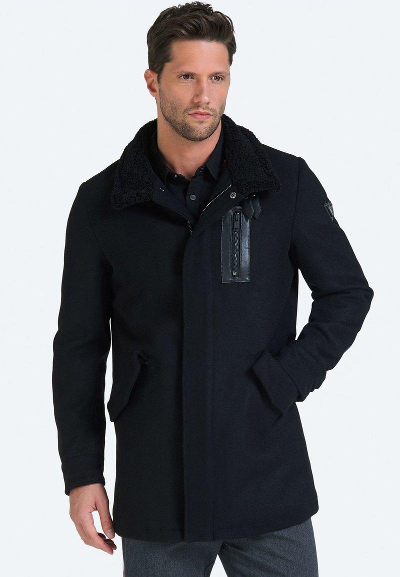 Guess - Short coat - black