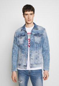 Guess - WILLIAM JACKET - Veste en jean - the coney - 0