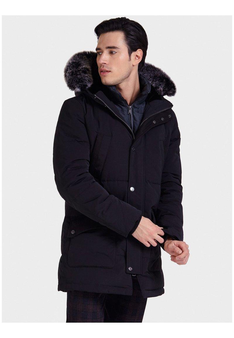 Guess - Down coat - black