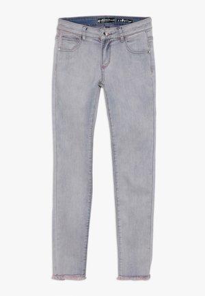 JUNIOR SKINNY PANTS - Skinny džíny - cloudy pink blue