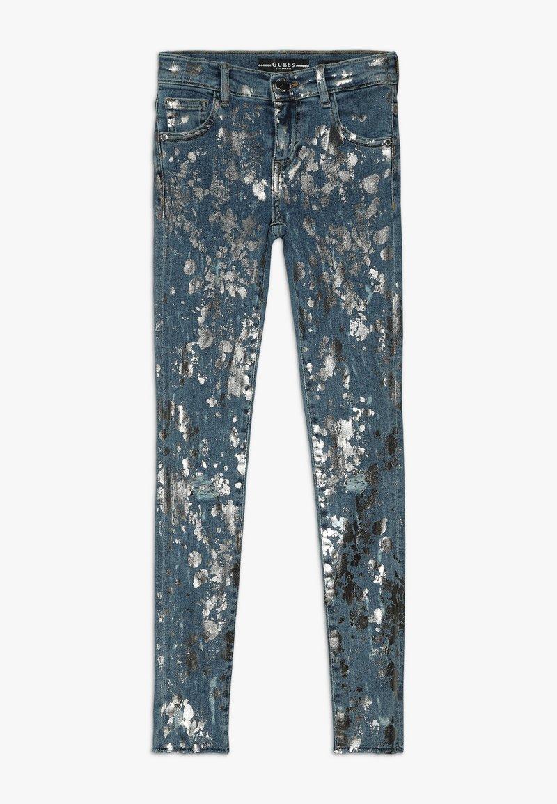 Guess - JUNIOR SKINNY PANTS - Skinny džíny - glacial damage blue