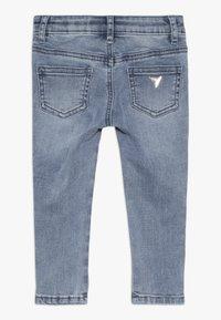 Guess - TODDLER SKINNY - Skinny džíny - medium vintage blue - 1