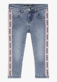 Guess - TODDLER SKINNY - Skinny džíny - medium vintage blue - 0